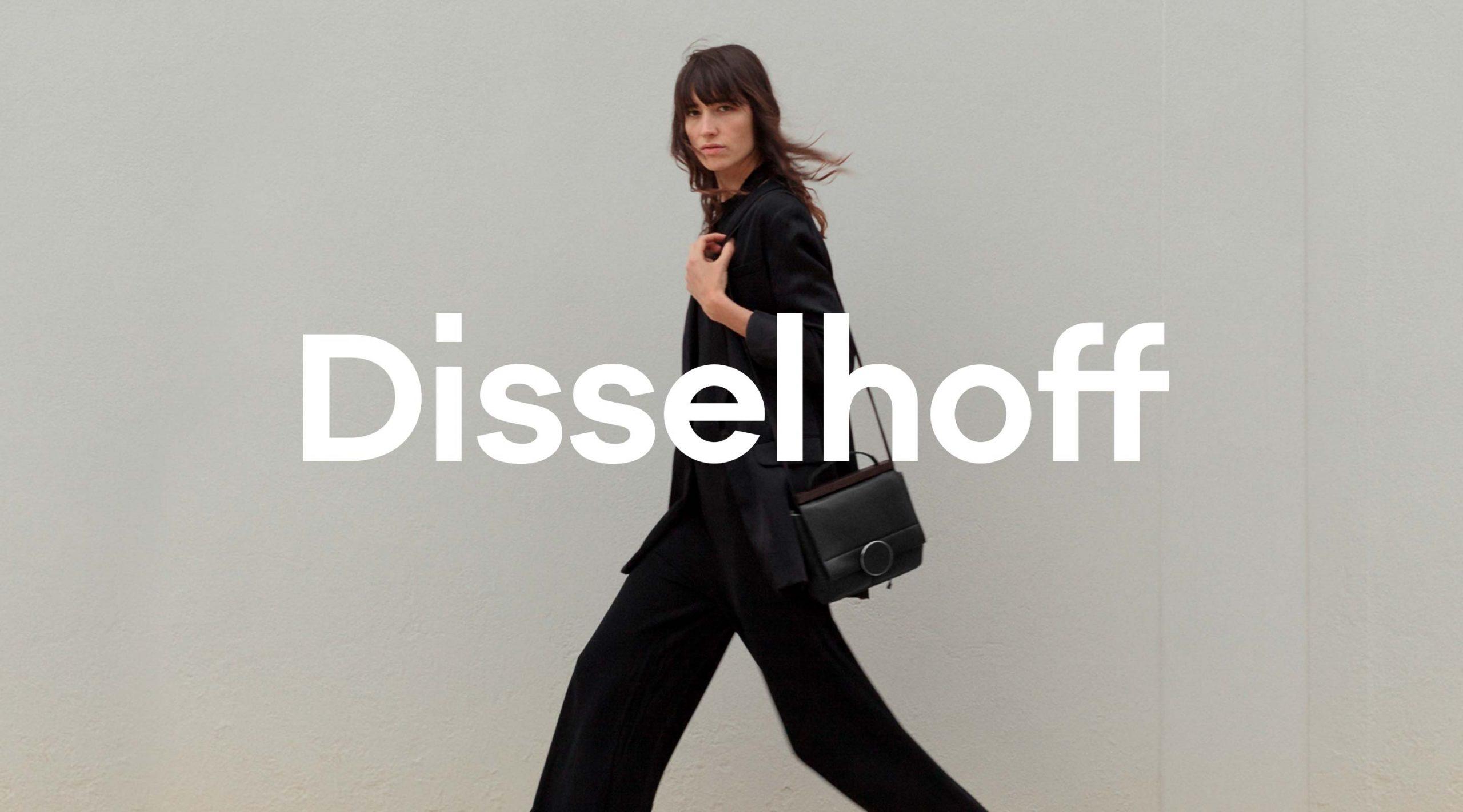Disselhoff Branding Signet auf Foto mit Model – Uthmöller und Partner